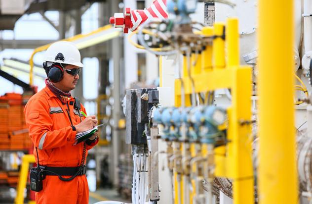 Qual a importância da inspeção e manutenção de equipamentos na indústria?